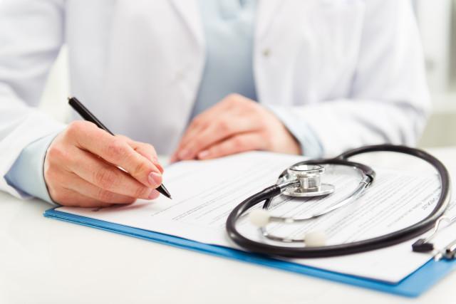 În condițiile pandemiei COVID-19 și în scopul eficientizării activităților de examinare medicală profilactică, perioada de realizare a examenelor medicale periodice ale salariaților din instituțiile educaționale va fi prelungită până la 1 octombrie 2020
